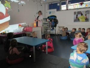 Grupa Zielona bacznie obserwuje co się stanie z małym Mikołajem :-)